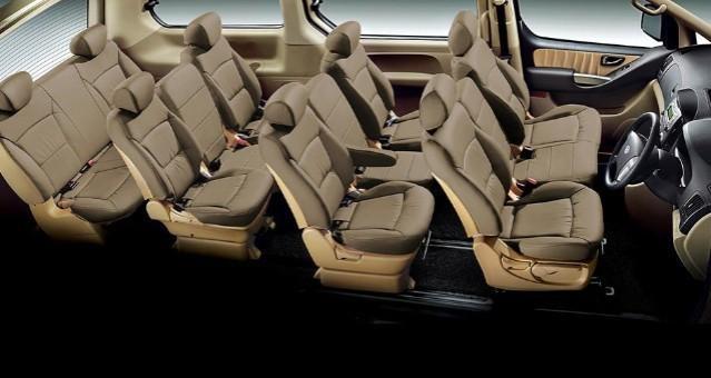 MPV Hyundai Starex 11 seater / Chauffeur / Rental / tour / private hire / Limo service / transport to malaysia