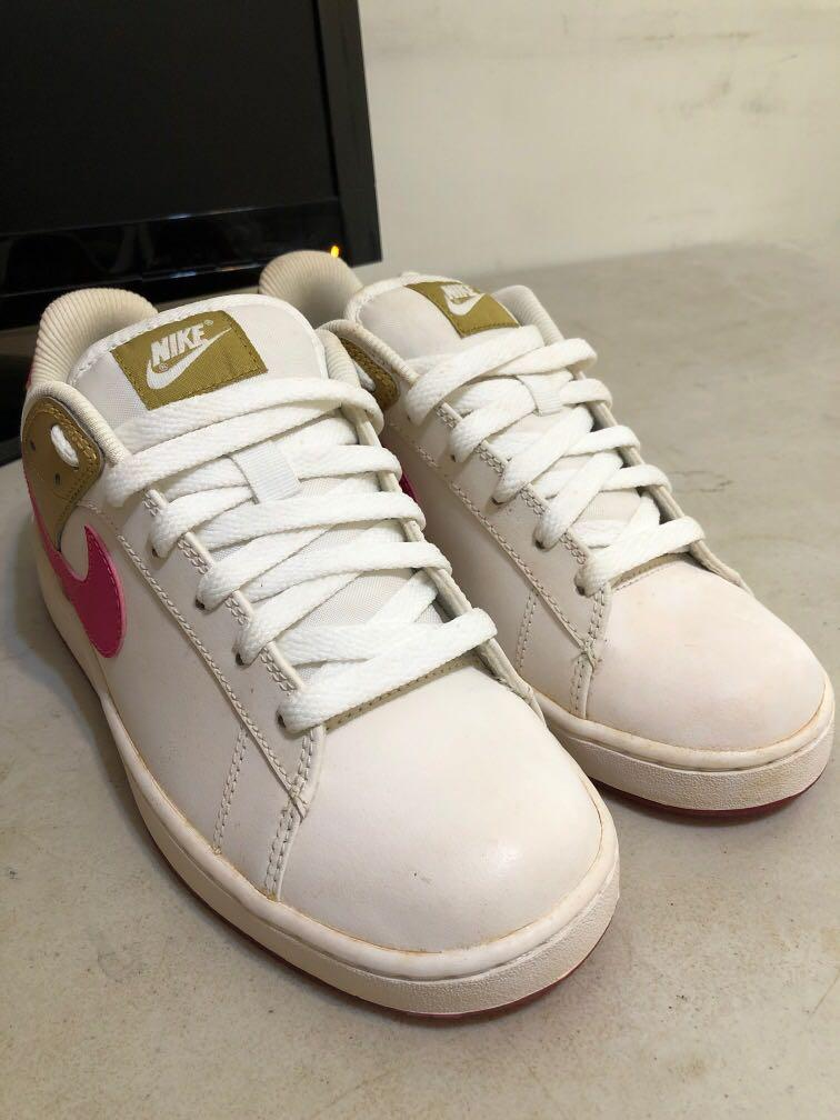 Nike 基本款女鞋