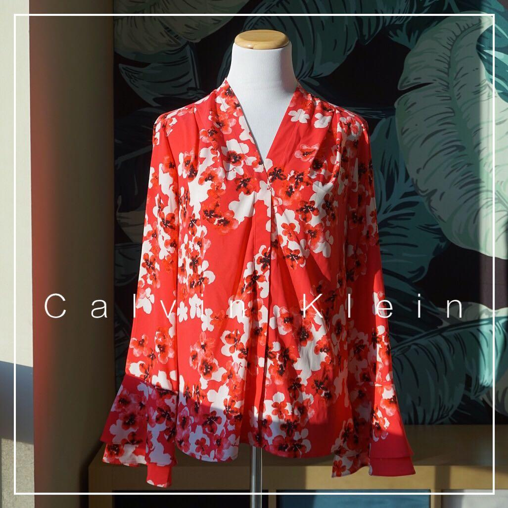NWOT Calvin Klein V-neck Floral Blouse With Bell Sleeve Size S