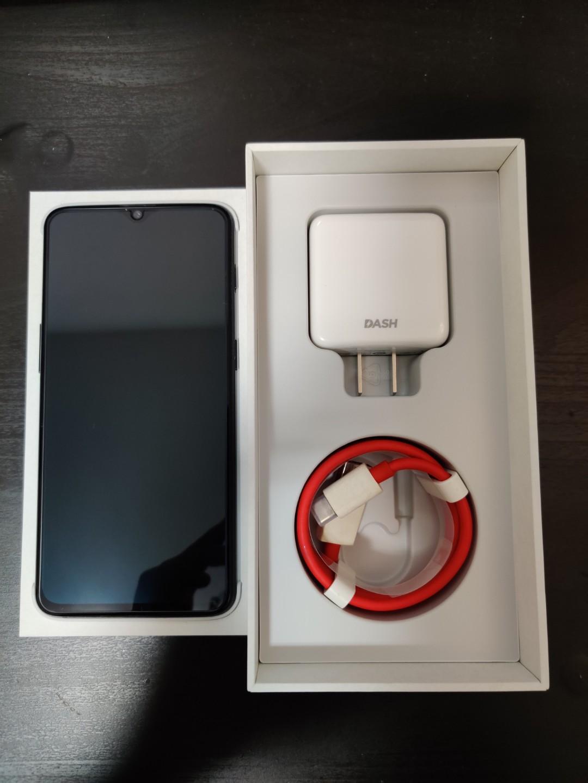 OnePlus 6T  (8GB / 128GB)