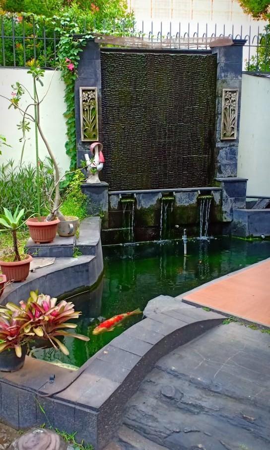 Rumah mewah di Pinang ranti Halim Jakarta timur
