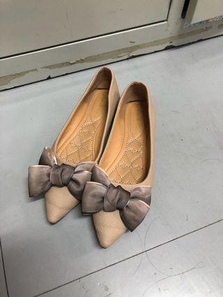 Doll shoe (w/ cute ribbon)