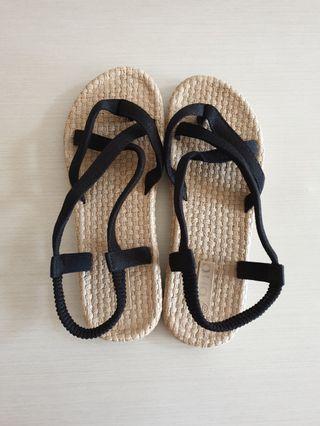 Rattan strap sandals