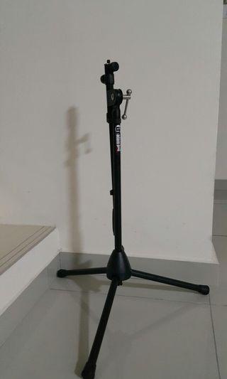 Adam Hall small mic stand