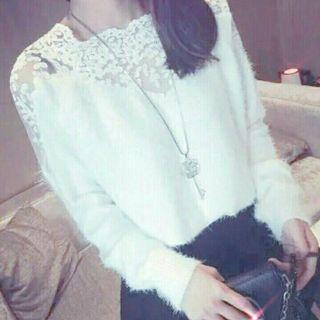 蕾絲微透短版毛衣