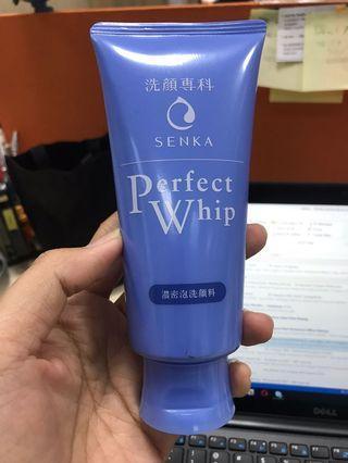 Senka Perfect Whip - Pembersih wajah - New !