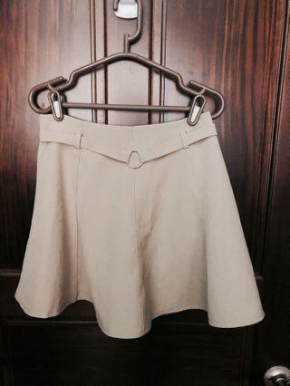 米色氣質款褲裙#剁手時尚