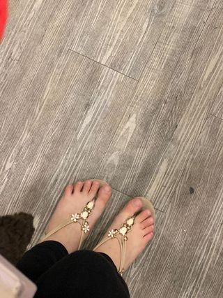 Flowery sandal