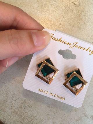 綠色寶石耳環 耳針 貼耳耳環