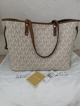 PreLove Item ❤️ Micheal Kors Large Tote (Authentic)