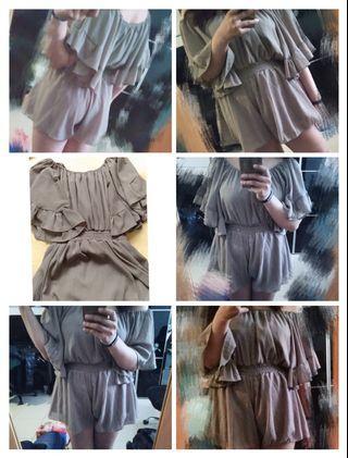 女生連身衣褲