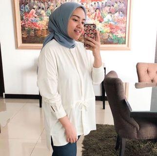 Syaline hijab renata top white