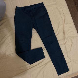 Uniqlo 深藍色九分褲