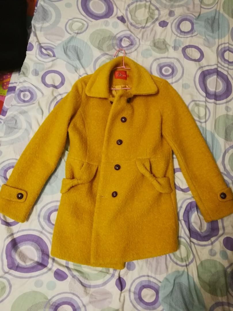 髒橘色呢子外套