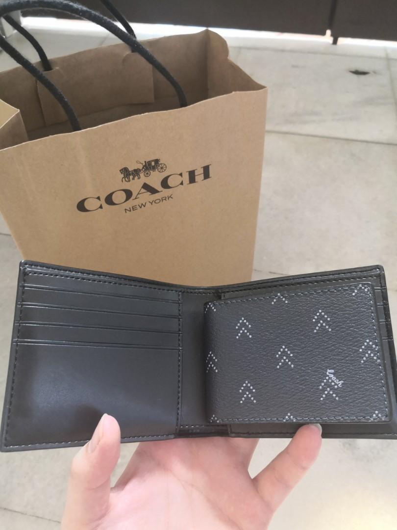 🌊🌊Brand new Coach wallet🌊🌊