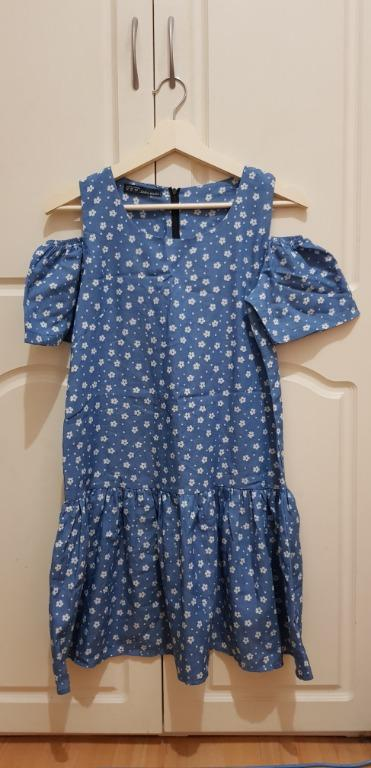 BRAND NEW dark blue floral cold shoulder dress, size S (M in Asian sizing)