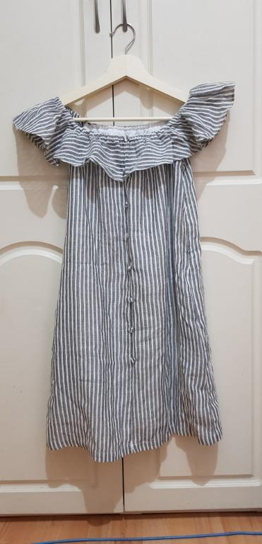 BRAND NEW striped off the shoulder dress, size M (L in Asian sizing)