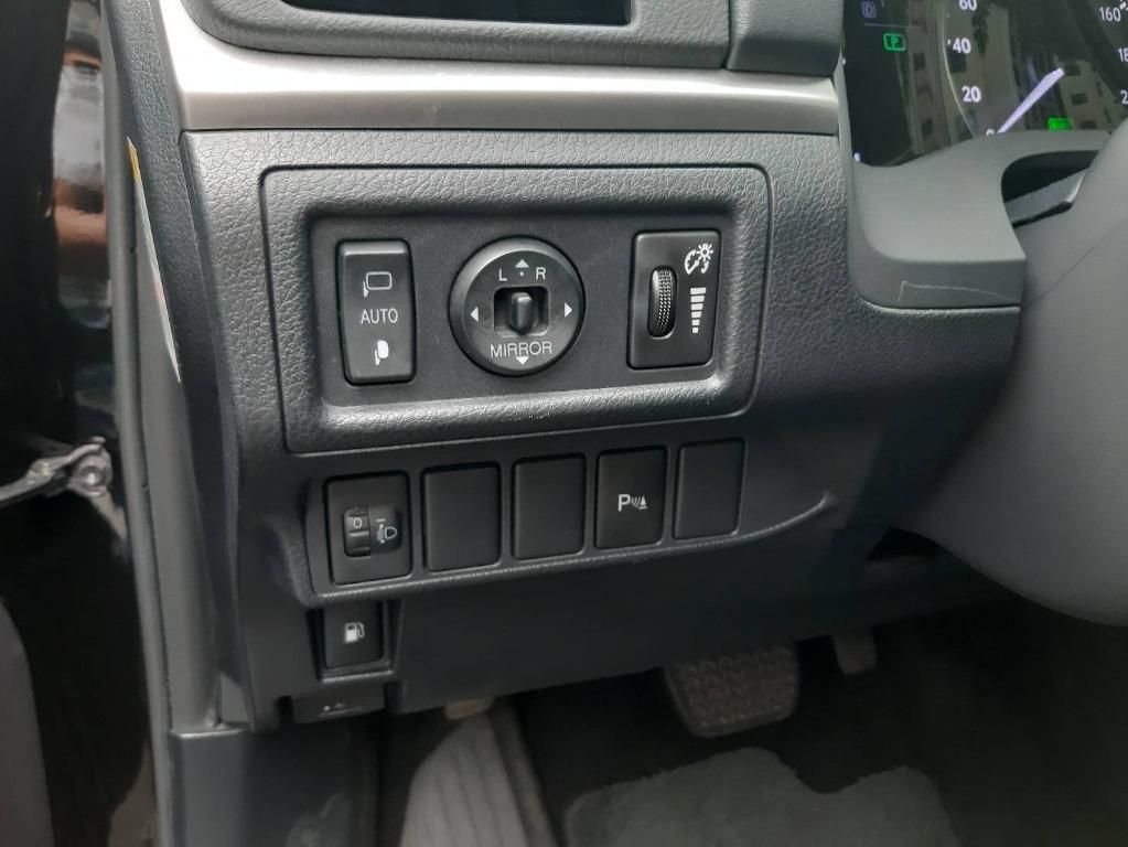 CT200H 1.8cc  豪華版 油電複合動力 一手車 原鈑件  雙電動椅 導航 感應式頭燈