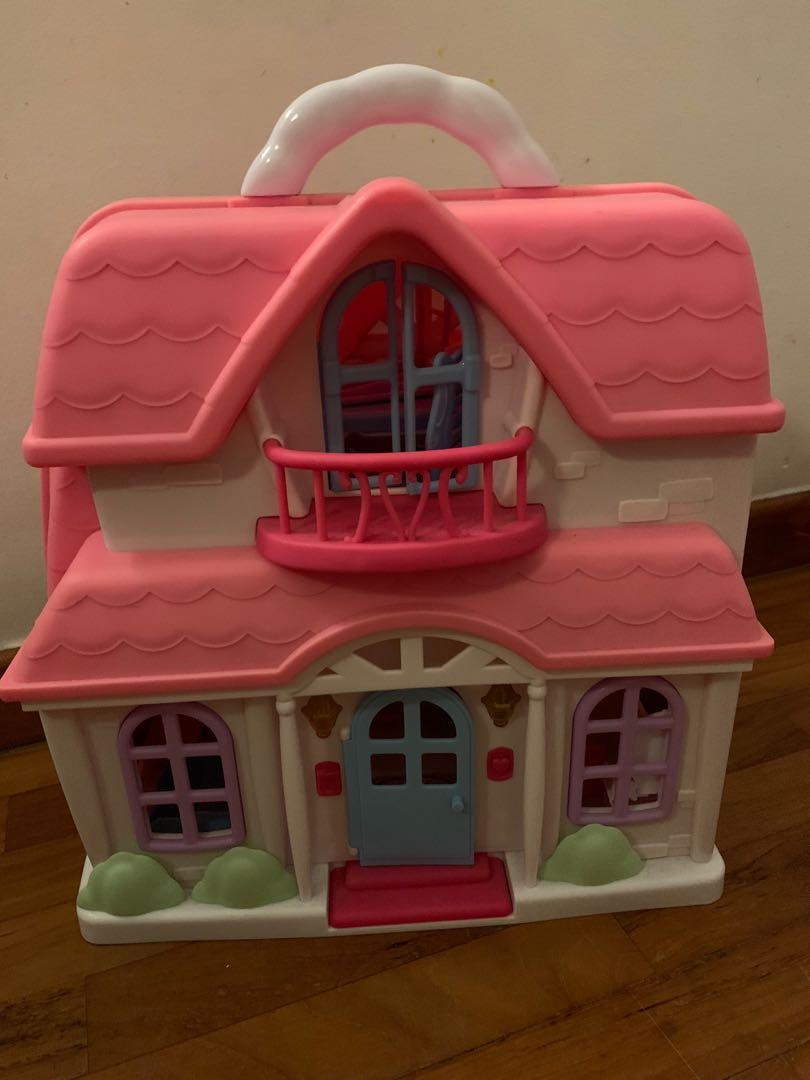 Doll house Toy r Us