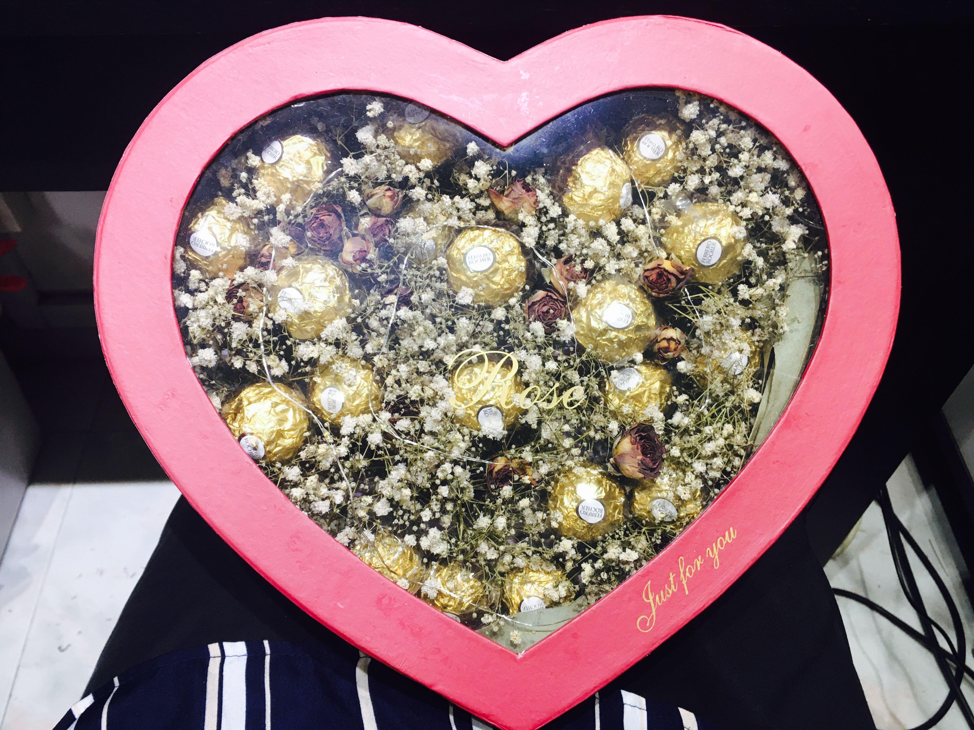 huamama chocolate heart Box