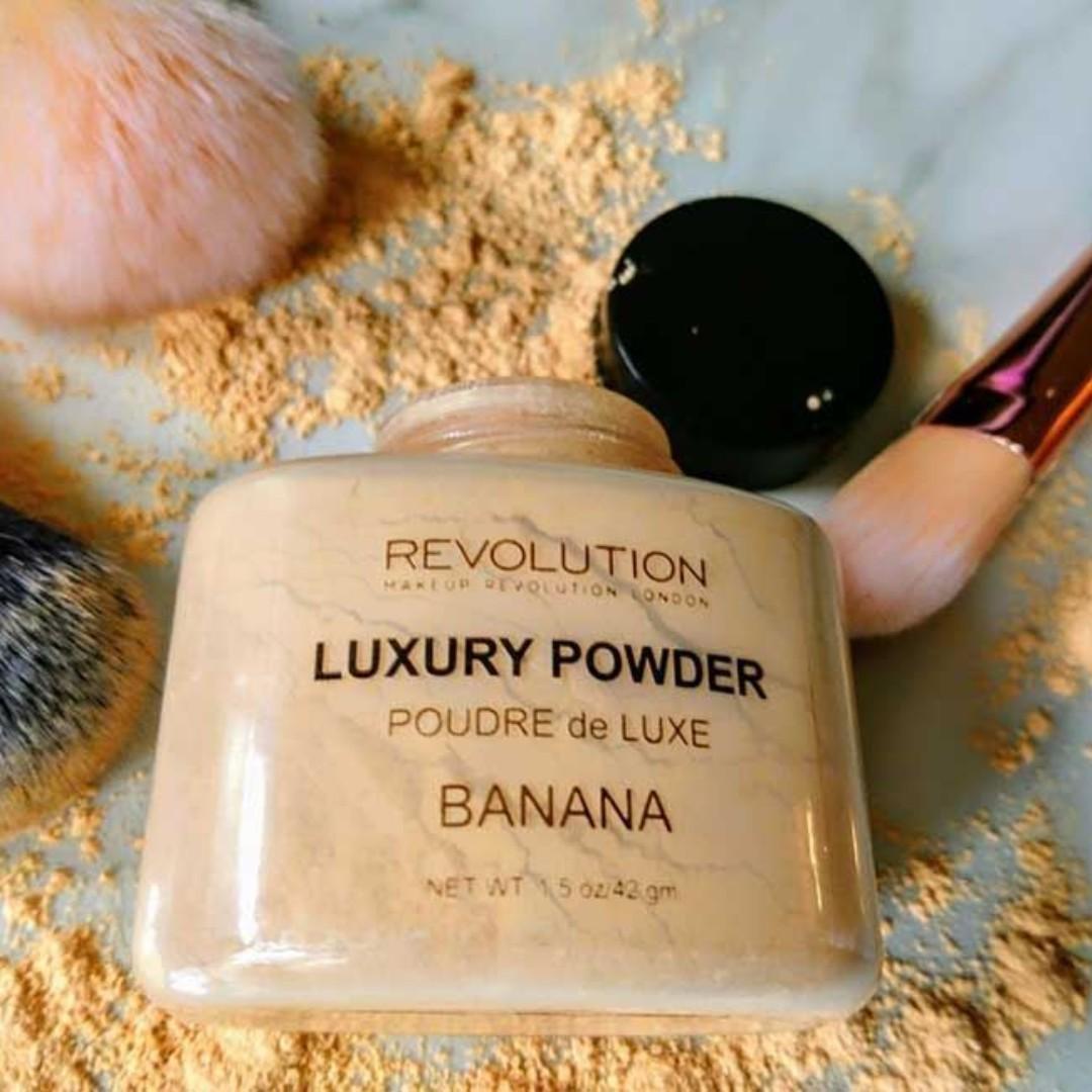 ✨INSTOCK: MAKEUP Revolution Loose Baking Powder - Banana