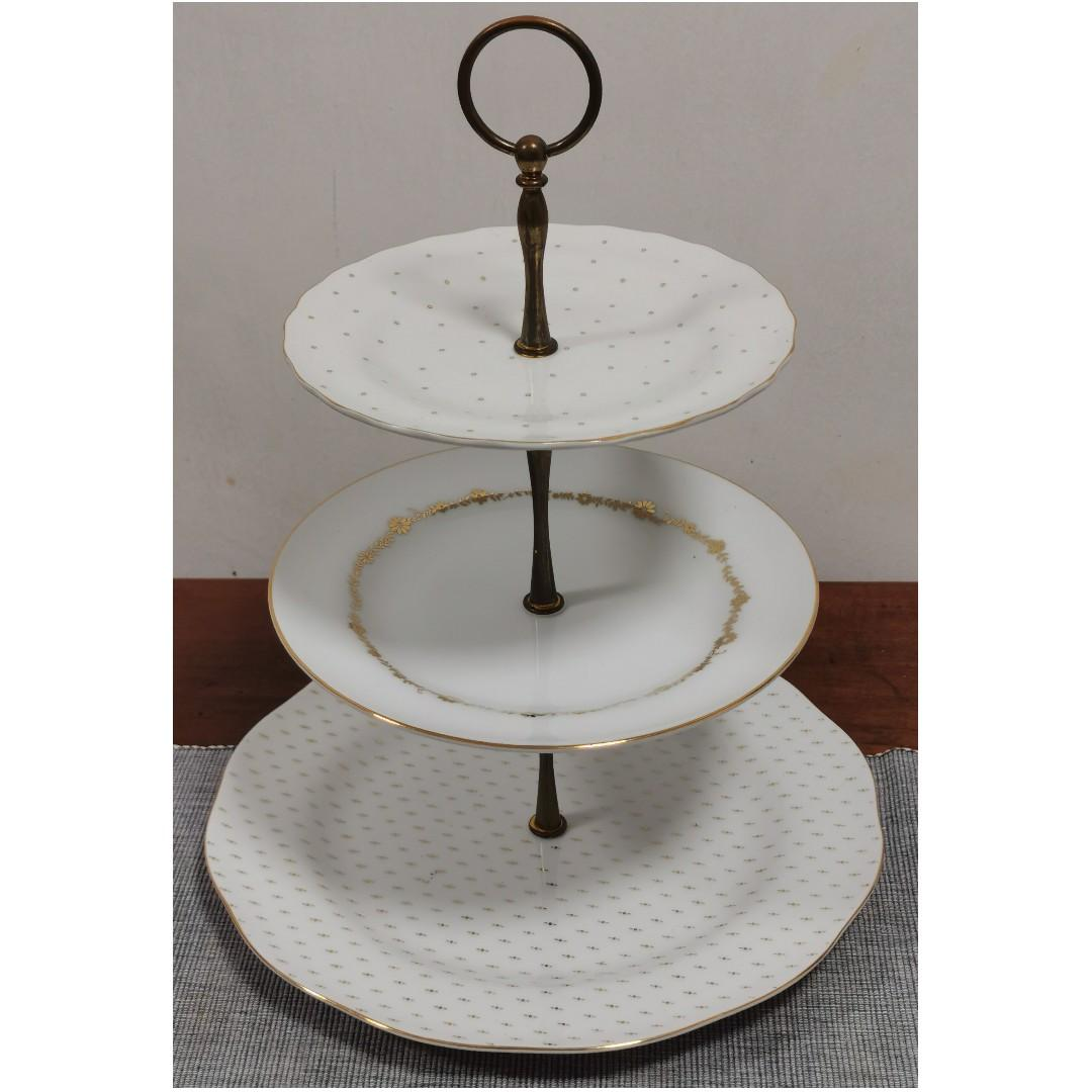 White and Gold Porcelain Cake Stand