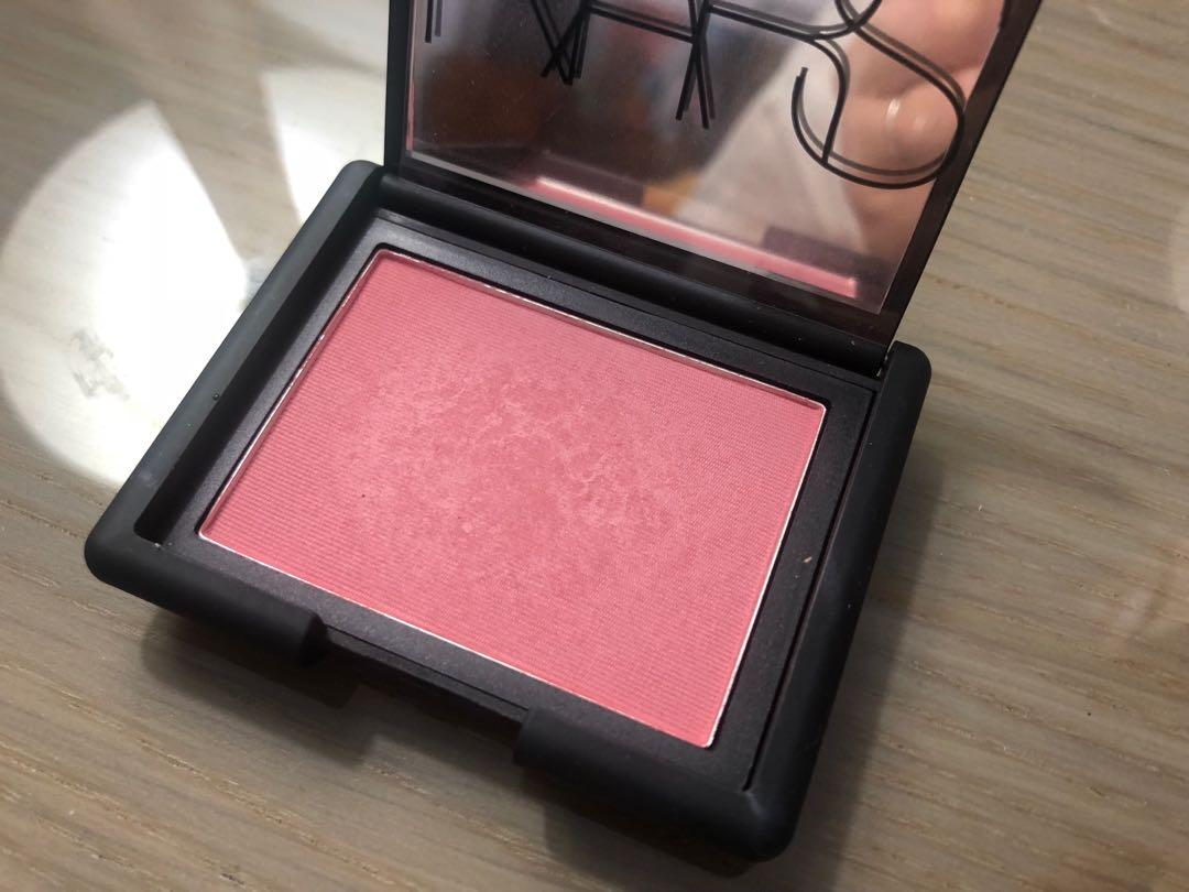 Near new Nars Amour blush for sale