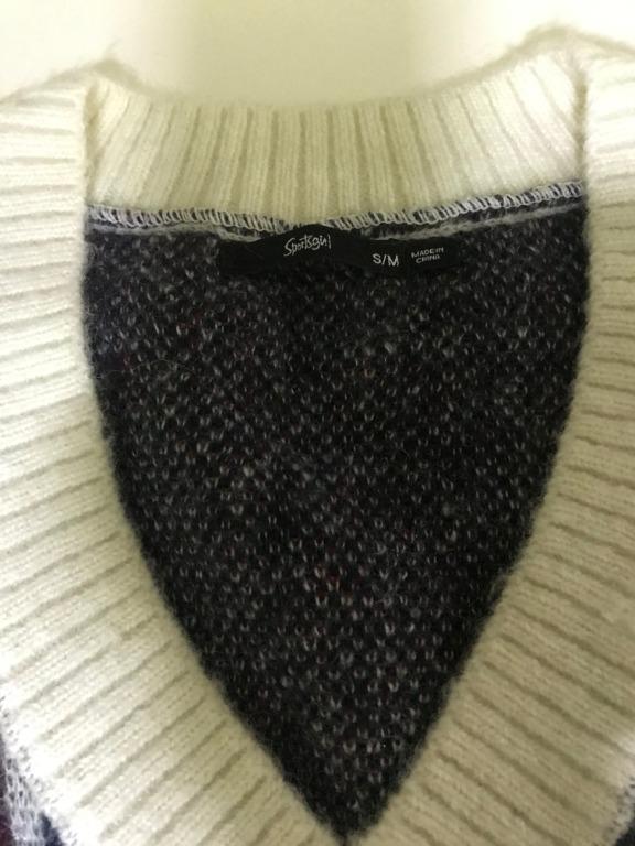 Sportsgirl Checkered Sweater V Neck Oversized