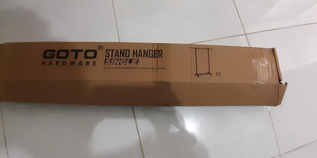 Stand Hanger Single