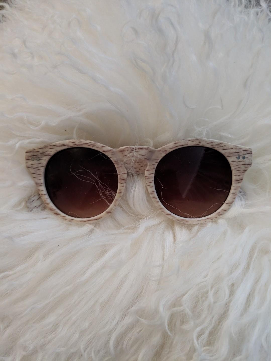Wood look sunglasses tan