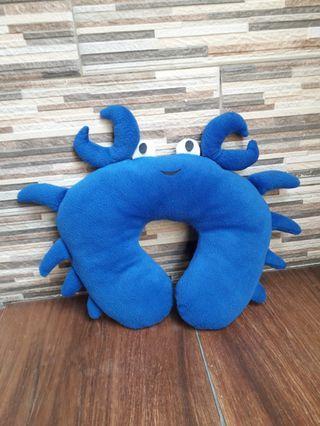 Bantal Leher crab