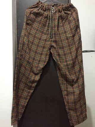 Celana Kotak Coklat Kuning Plaid Pants Brown Yellow size S Front Zip Resleting depan celana panjang Flanel Cotton