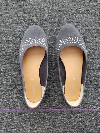 Grey bling bling flats