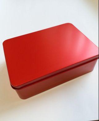 喜洋洋紅鐵盒,約13.5cm X10.5cm X 4.5cm