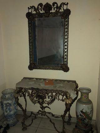 Kaca antik buatan romawi