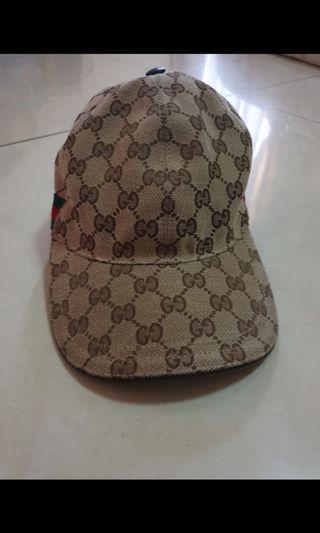 Gucci hat authentic size M , cap only good condition 90% OK