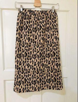 韓 豹紋鬆緊腰開叉裙