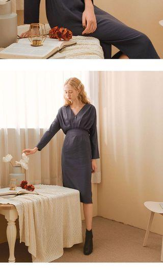 V領壓摺排釦長袖洋裝