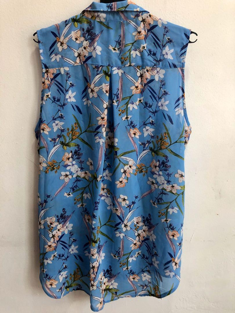 H&M floral printed sleeveless blouse