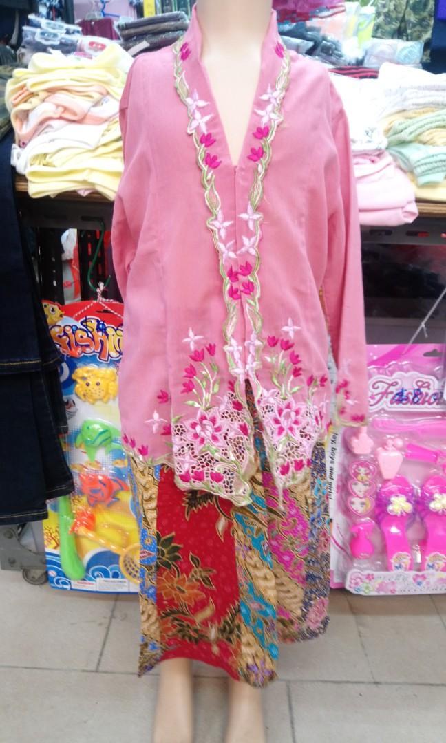 Kebaya and batik skirt
