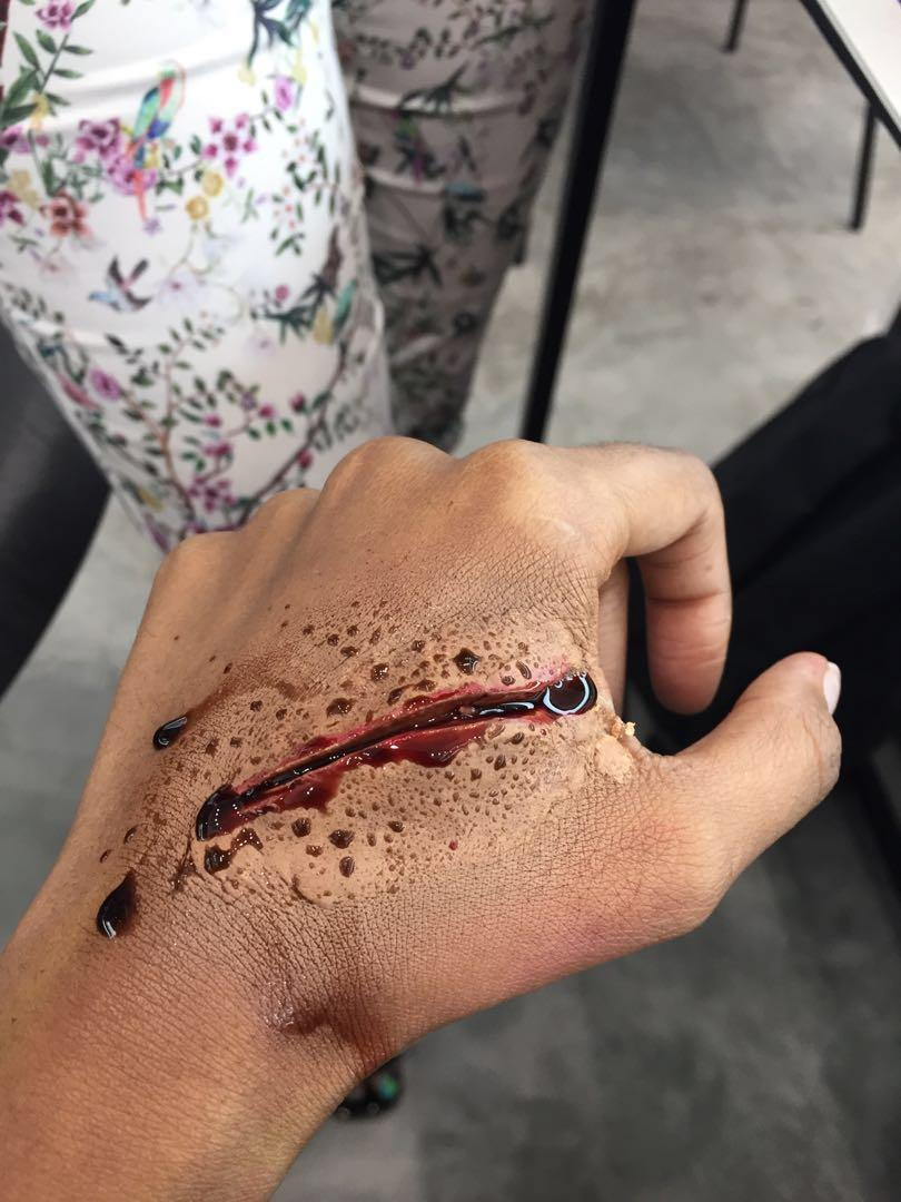 Makeup sfx, scar, gun shot , etc