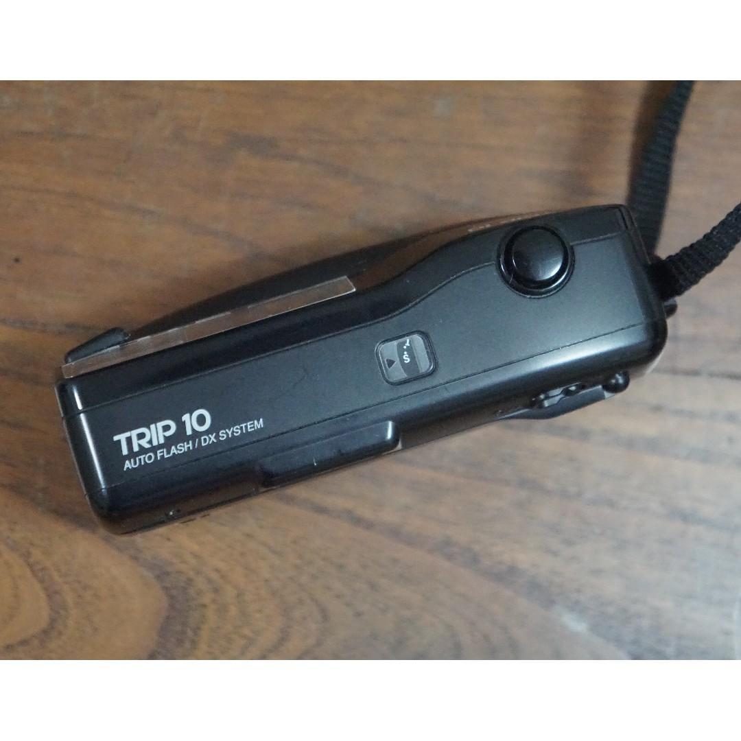 Olympus Trip 10 Auto Flash 33mm len Film Camera