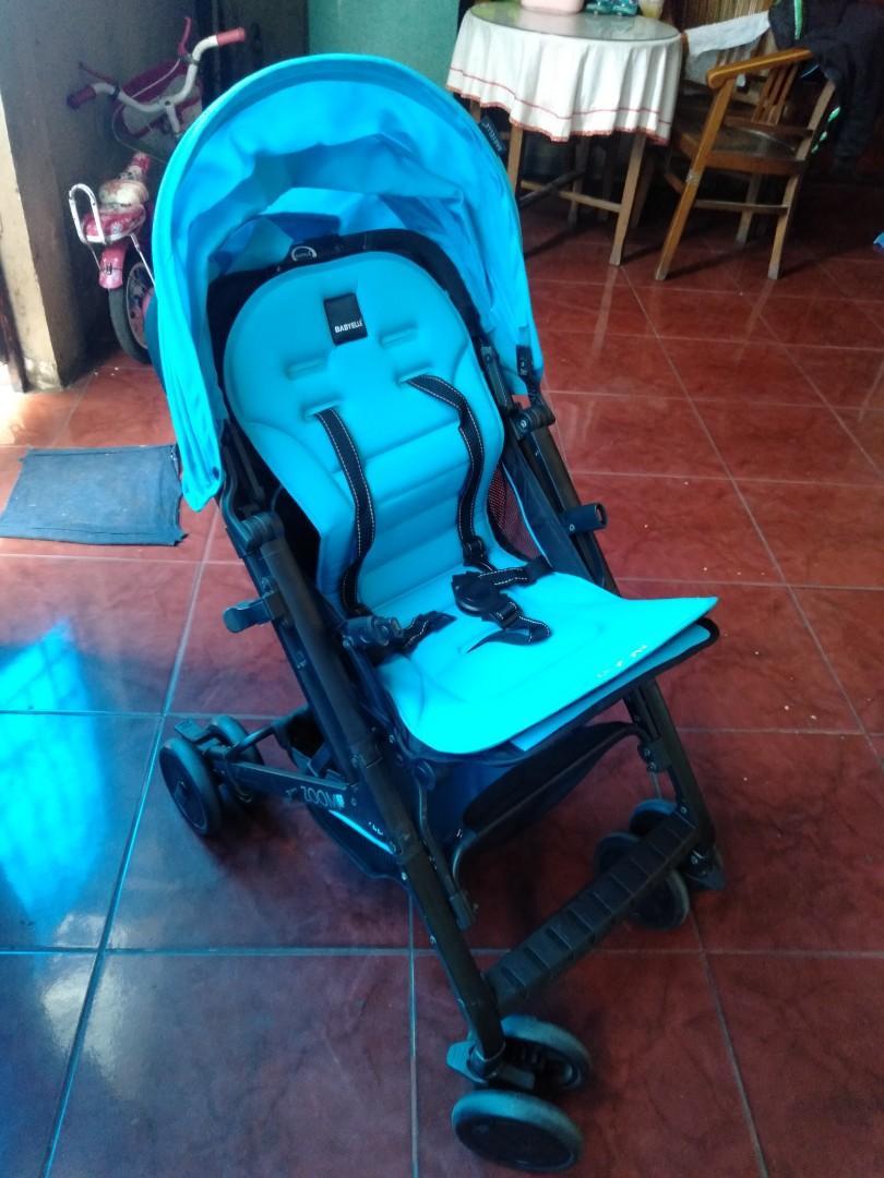 Stroller atau dorongan bayi