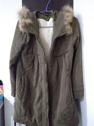 軍綠色毛毛舖棉外套