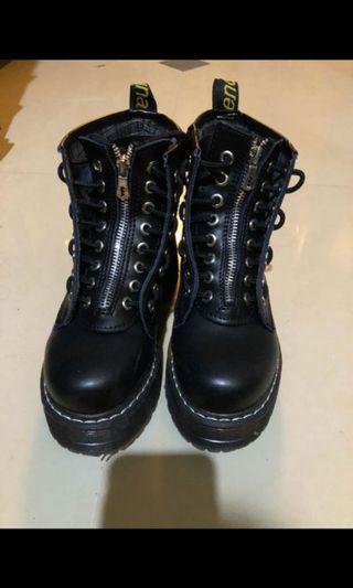 便宜買好看靴子