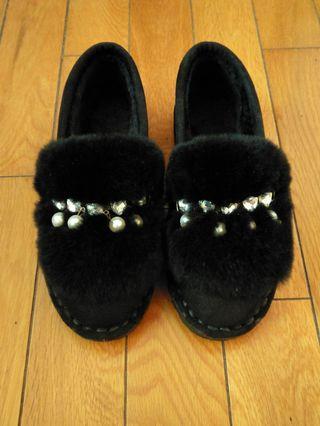 全新韓版毛毛保暖黑皮鞋
