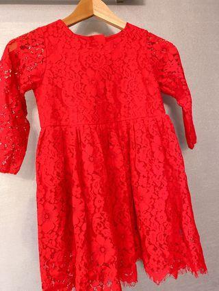 紅色蕾絲洋裝