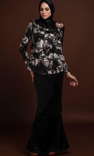 Exclusive Kurung S L XL