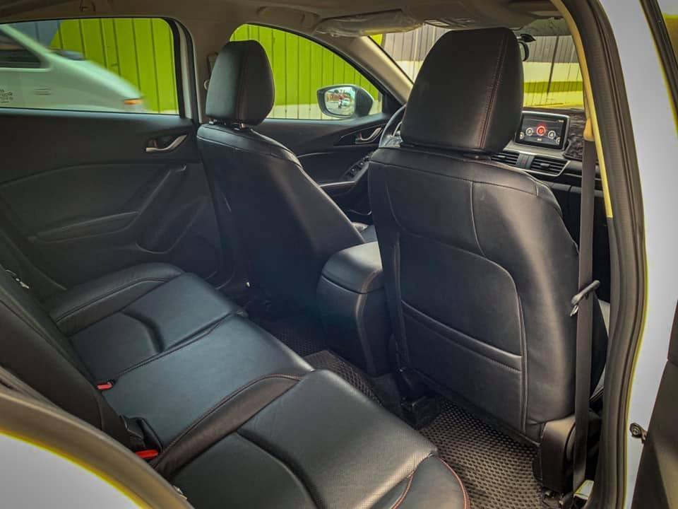 2015 Mazda3 白 陽春
