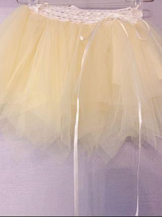 小朋友淺黃色小紗裙